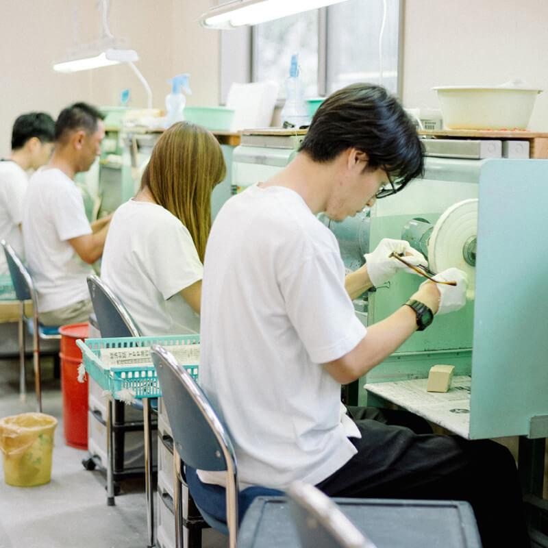 福井県鯖江で60年間眼鏡を作り続ける工場、谷口眼鏡